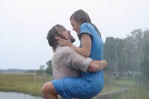 2位:雨の中のキスが印象的「きみに読む物語」