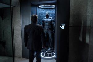 「バットマンvsスーパーマン」を無料視聴するのって違法じゃないの?